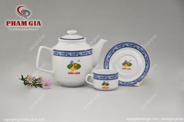 in logo doanh nghiệp lên bộ trà sứ
