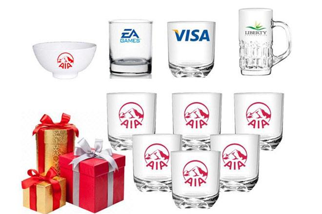 In logo lên ly thủy tinh quà tặng
